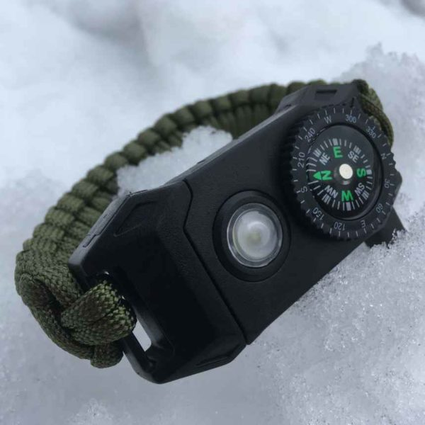 Paracord LEDillä ja kompassilla - Retkelle.com